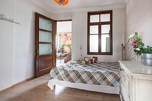 Гостевой дом Batumi Georgian house, 4х-комнатная, 001