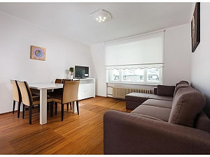 One bedroom apartment, One Bedroom, 002