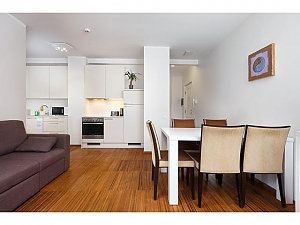 One bedroom apartment, One Bedroom, 003