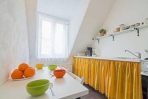 Attic Scandinavia, Deux chambres, 001