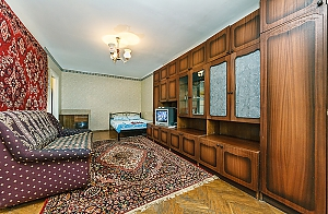 Apartment near Pivdennyi railway station, Monolocale, 002