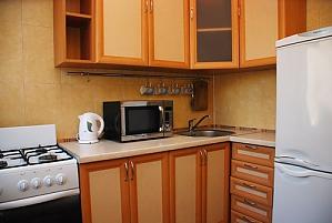 Квартира на метро Дружбы народов, 1-комнатная, 003