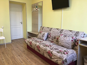 Suite with the amenities for 3 guests in Alliance guest house, Studio, 004