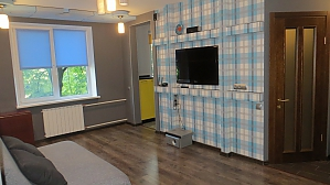 Apartment in Kharkov, Dreizimmerwohnung, 001
