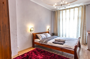 Apartment in a beautiful place in the heart of Kharkov, Zweizimmerwohnung, 002