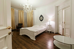 Deluxe suite for 4 guests in the boutique-hotel, Una Camera, 001