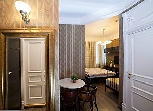 Cozy suite in coffee colors, Studio, 002