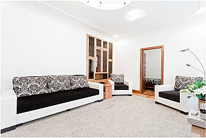 Spacious apartment with a good renovation, Three Bedroom, 004