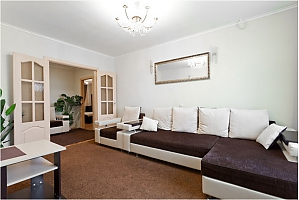 Amazing apartment near metro station, Two Bedroom, 003