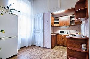Bed in a 8-bed room in hostel, Studio, 001