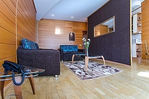 Квартира в центрі Києва, 3-кімнатна, 003