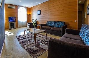 Квартира в центрі Києва, 3-кімнатна, 004