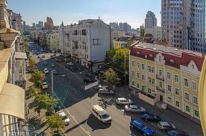 Квартира в центрі Києва, 3-кімнатна, 021