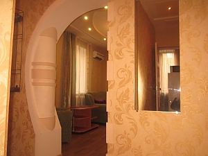 Apartment in the center of Bakhmut (Artemovsk), Una Camera, 004