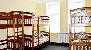 Ліжко в загальній кімнаті на 8 персон, 4-кімнатна, 001