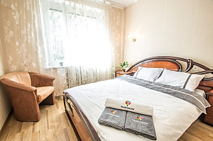 Прекрасная квартира в Харькове, 2х-комнатная, 002