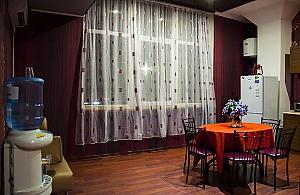 Ліжко в змішаному номері в центрі Одеси, 1-кімнатна, 003