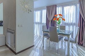 Очень уютные и комфортабельные для жизни апартаменты, 2х-комнатная, 004