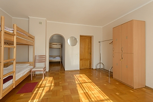 Place in a spacious six-bed room, Studio, 002