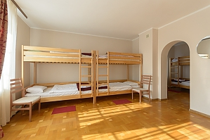 Place in a spacious six-bed room, Studio, 003