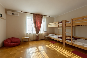 Sleeping place in a 6-bed room, Studio, 002