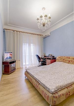 Apartment on Moskovskyi, Studio, 001