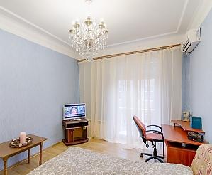 Apartment on Moskovskyi, Studio, 002