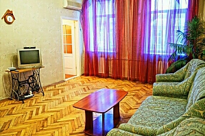 Apartment near Kontraktova square, One Bedroom, 002