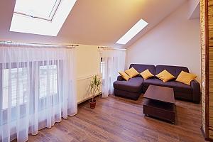 Duplex suite in the apart-hotel, Un chambre, 002