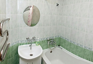 Cozy apartment near Kharkivska metro station, Monolocale, 003