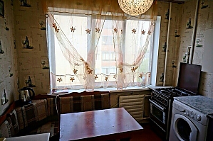 Economy class apartment on Voskresenka, Dreizimmerwohnung, 004