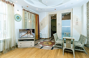 Chic VIP apartment with a sauna on Khreschatyk, Three Bedroom, 002