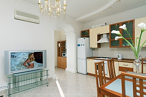 Panoramic apartment in the center of the capital, Tre Camere, 003