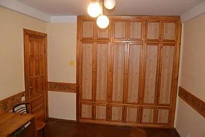 Квартира біля КиївЕкспоПлази, 3-кімнатна, 003