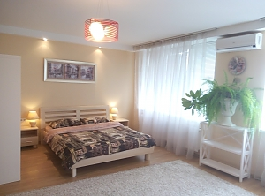 Apartment near the sea on 8th station of Velykyi Fontan, Monolocale, 002