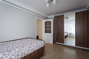 Сучасна квартира з новим ремонтом, 2-кімнатна, 004