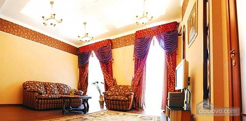Ексклюзивна квартира, 3-кімнатна (28913), 002