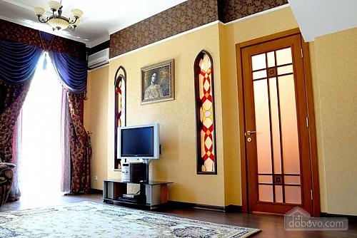 Ексклюзивна квартира, 3-кімнатна (28913), 003