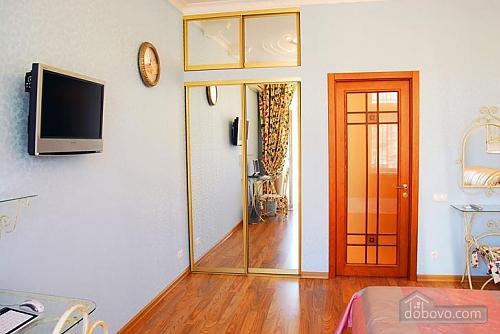 Ексклюзивна квартира, 3-кімнатна (28913), 006