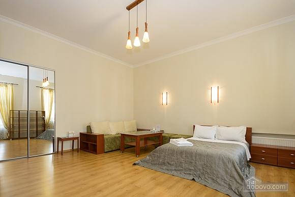 Large jaсuzzi apartment with balcony and sofa bed, Studio (51825), 001