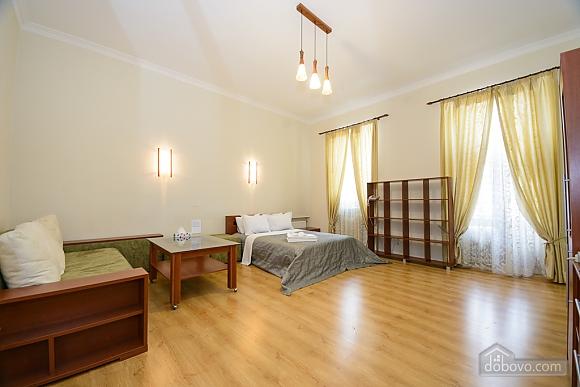 Large jaсuzzi apartment with balcony and sofa bed, Studio (51825), 003