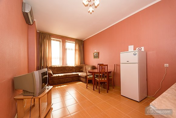 Comfortable spacious one-bedroom apartment with kitchen and bathtub, Zweizimmerwohnung (52352), 004