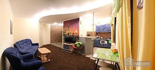 Красива світла квартира в центрі, 2-кімнатна (52880), 001