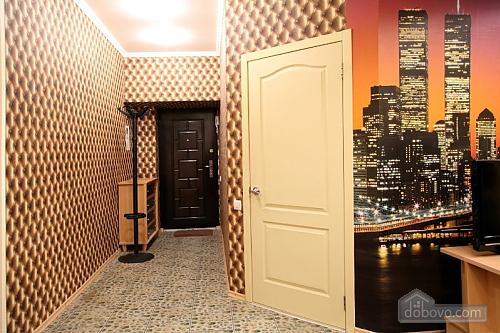Красива світла квартира в центрі, 2-кімнатна (52880), 007