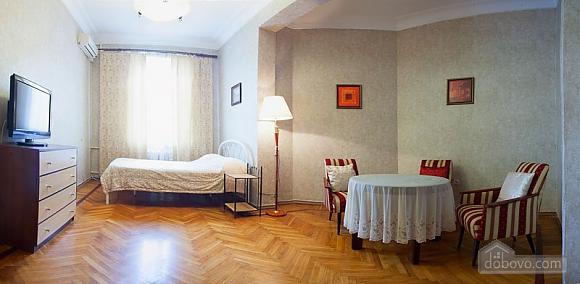 Квартира в центрі біля Філармонії, 2-кімнатна (95924), 001