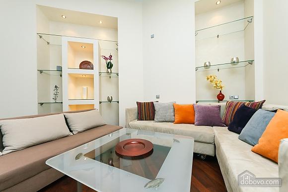 VIP апартаменты на Крещатике (40760), 3х-комнатная Квартира