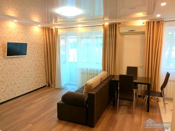 Cozy VIP-class apartment in the center of Odessa (97934