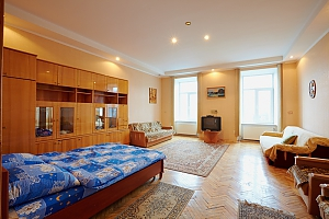 Квартира  возле Оперного Театра до 8 человек, 2х-комнатная, 001