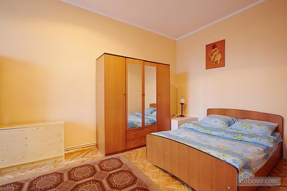 Квартира біля Оперного театру до 8 осіб, 2-кімнатна (31144), 011