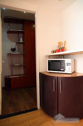 Квартира в центрі – комфорт і затишок, 2-кімнатна (31803), 008
